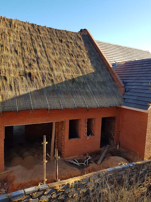 Roof Trusses And Tiles Roofing Rabroofingrabroofing